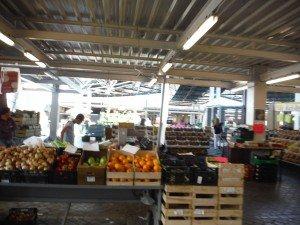 Le marché de Punta Delgada, à deux pas du bateau, des fruits et légumes de reve pour presque rien !!!
